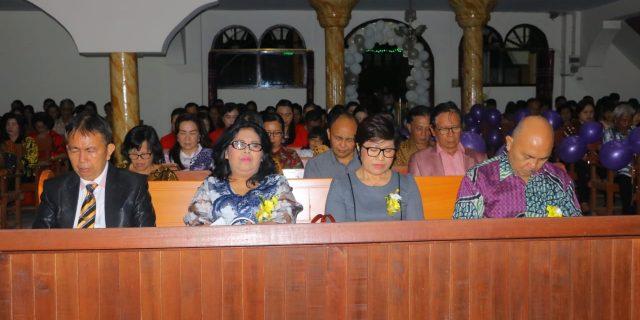 Lili Solang Wakili Walikota Hadiri HUT Ke-156 Jemaat GMIM Petra Kinilow