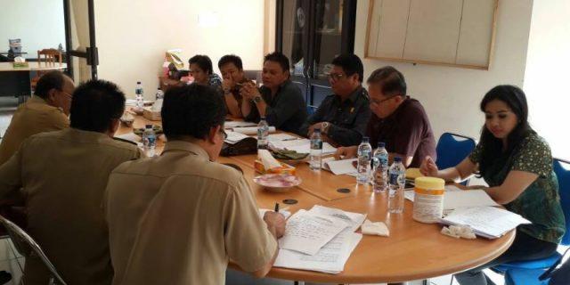 Komisi III DPRD Tomohon Melakukan Rapat Pansus Ranperda Bersama Pemkot Tomohon