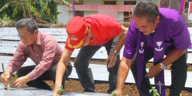 Jaga Kestabilan Bahan Pokok, ROR Hadiri Pencanangan Penanaman 50 Ribu Bibit Rica
