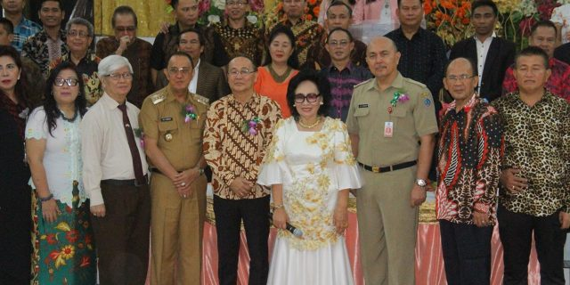 ROR Hadiri HUT ke-79Pendeta GPdI Pusat Tondano Lieke Repi-Wuisan